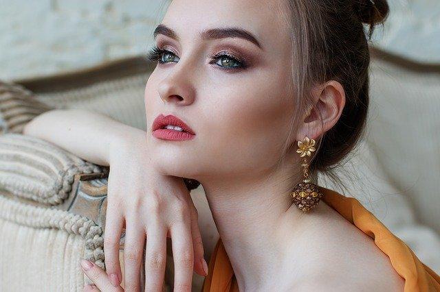 как правильно смывать макияж: советы и рекомендации