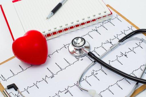 Аритмия может быть причиной колотящегося сердца